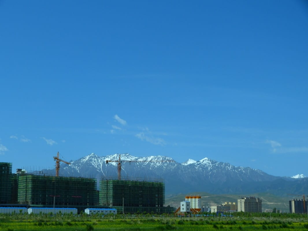 Minle, Chinese bubble, ghost cities, Qinghai