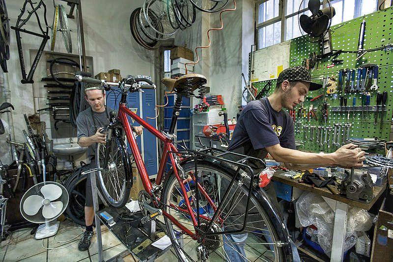The Best Bicycle Tool Kits and How to Build Your Own 24